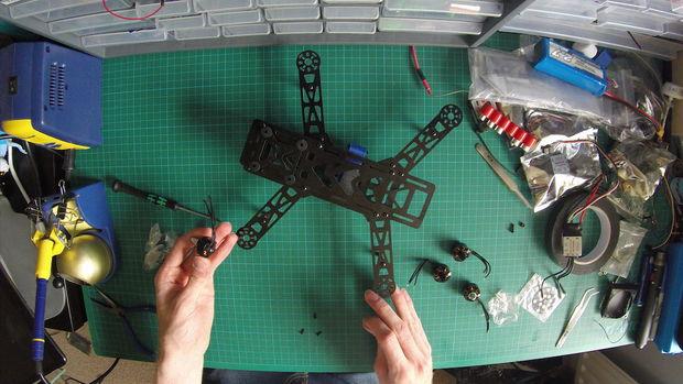 Build a Mini Racing Quadcopter 02